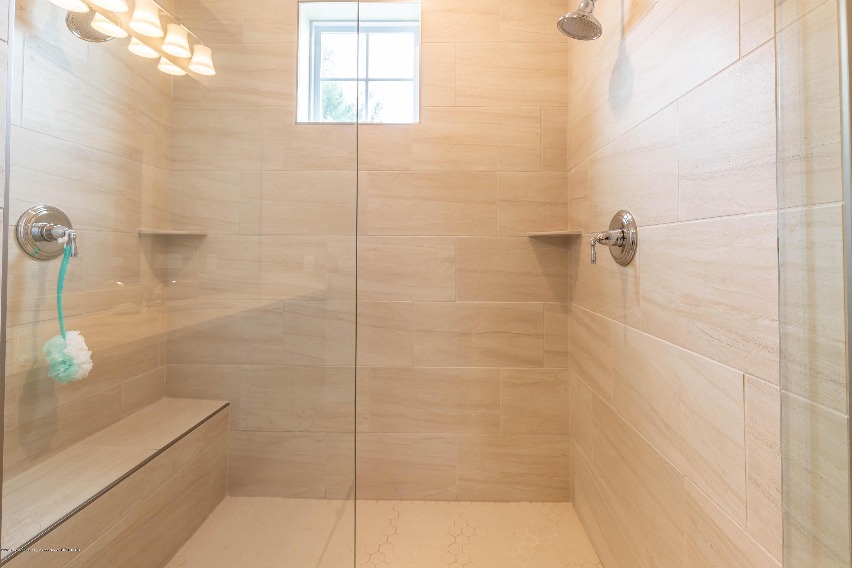3843 Fossum Ln - Master Bathroom - 40