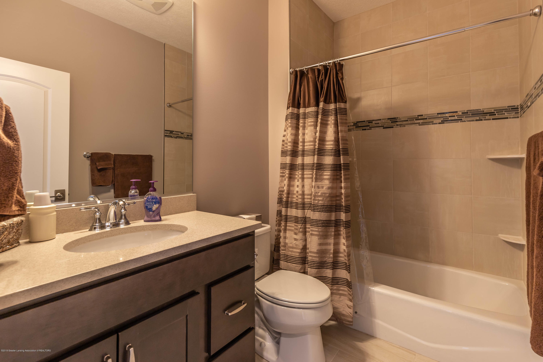 3843 Fossum Ln - Full Bathroom - 43