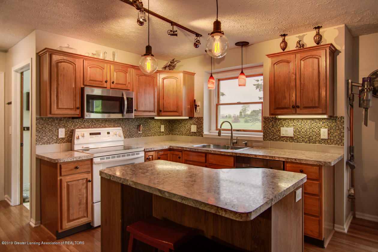 1025 Crandell Dr - Kitchen - 11