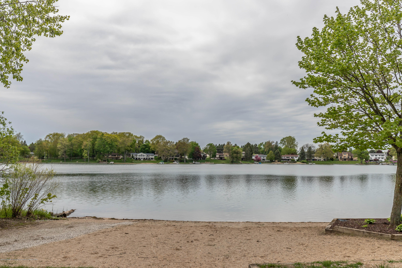 1236 Sandhill Dr - Lake Geneva - 58