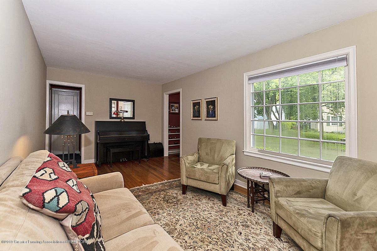704 Beech St - Living Room - 3