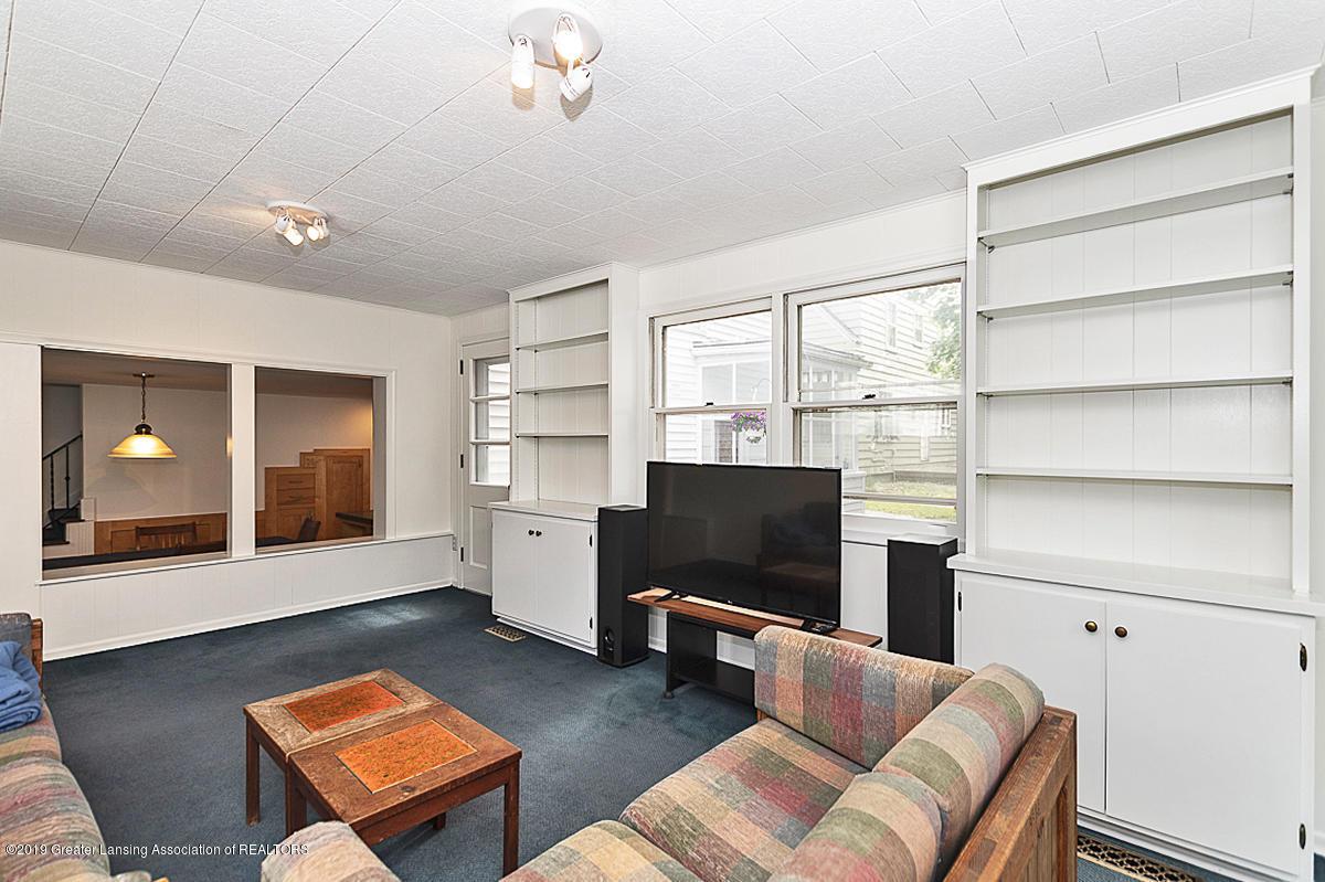 704 Beech St - Family Room - 7