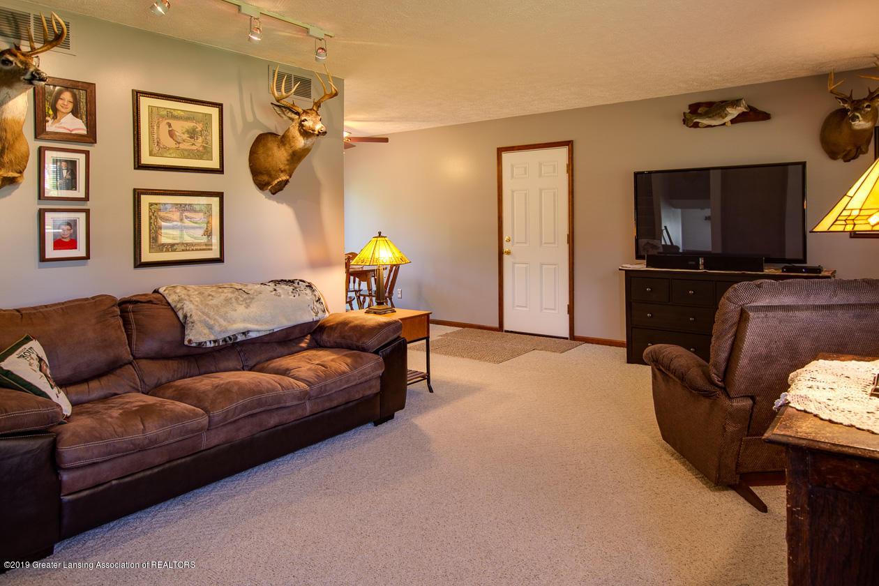 3078 Farmlane - Living Room - 7