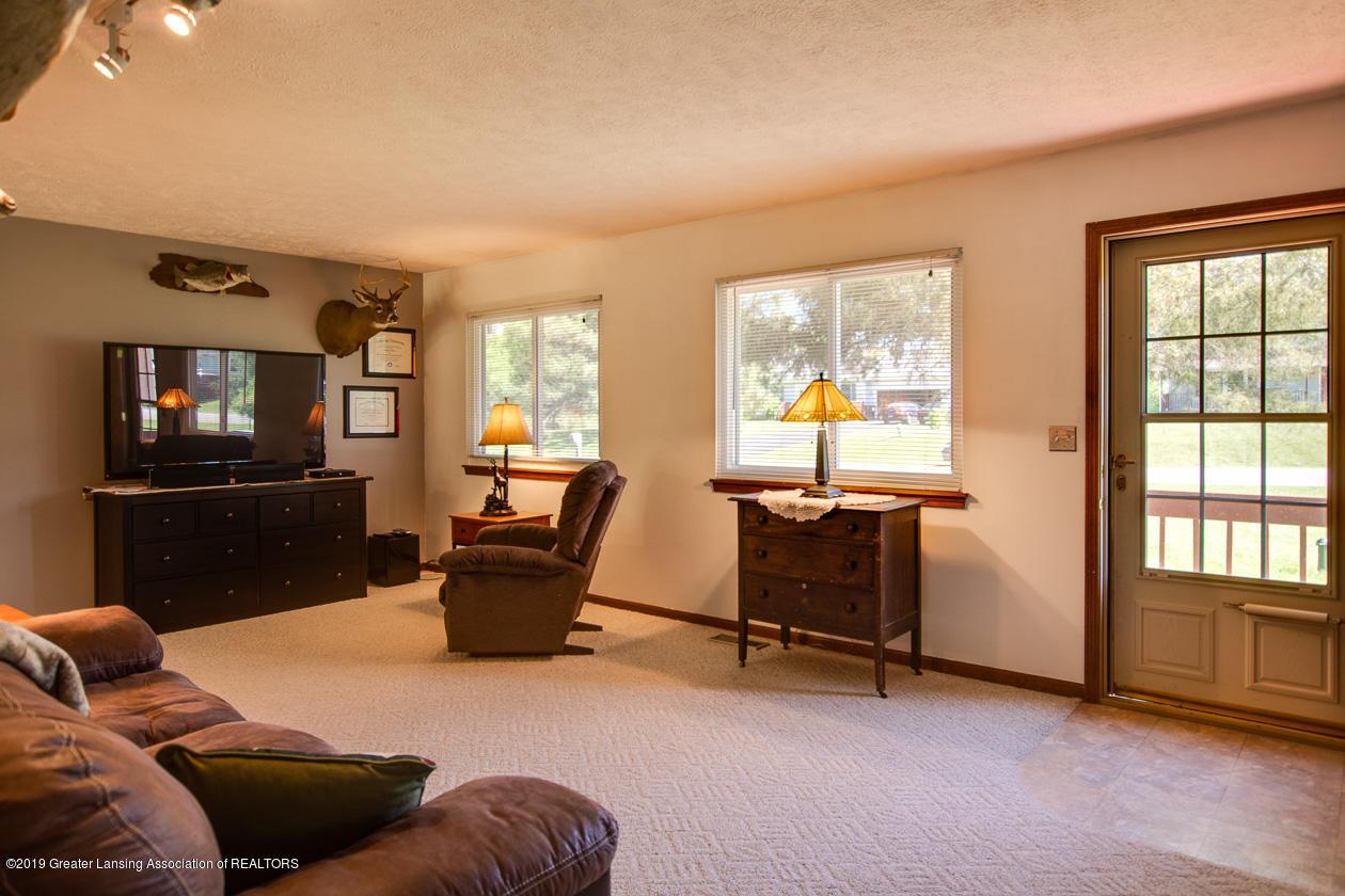 3078 Farmlane - Living Room - 8