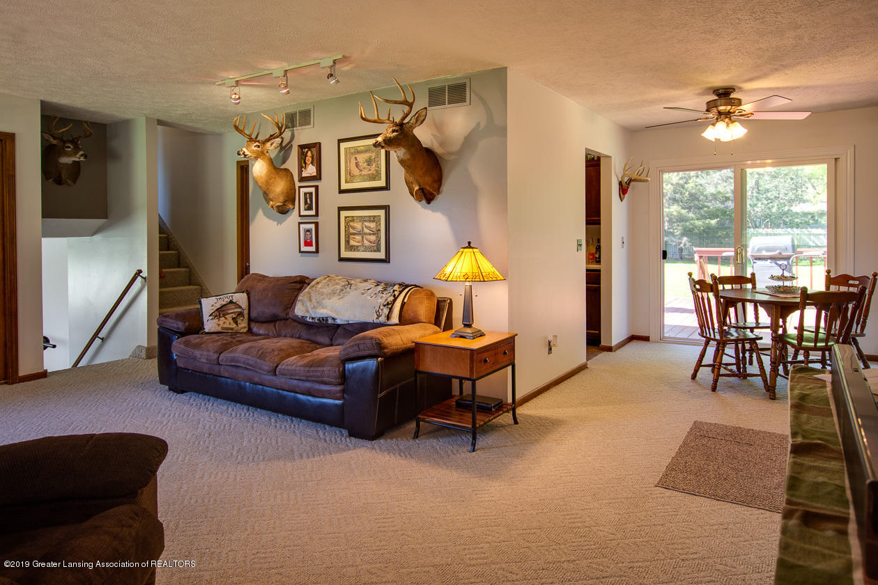 3078 Farmlane - Living Room to Dining Room - 9