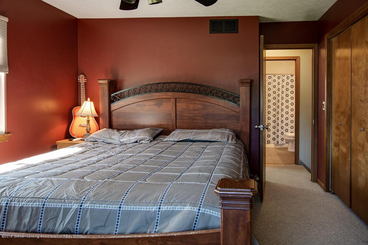 3078 Farmlane - Master Bedroom - 18