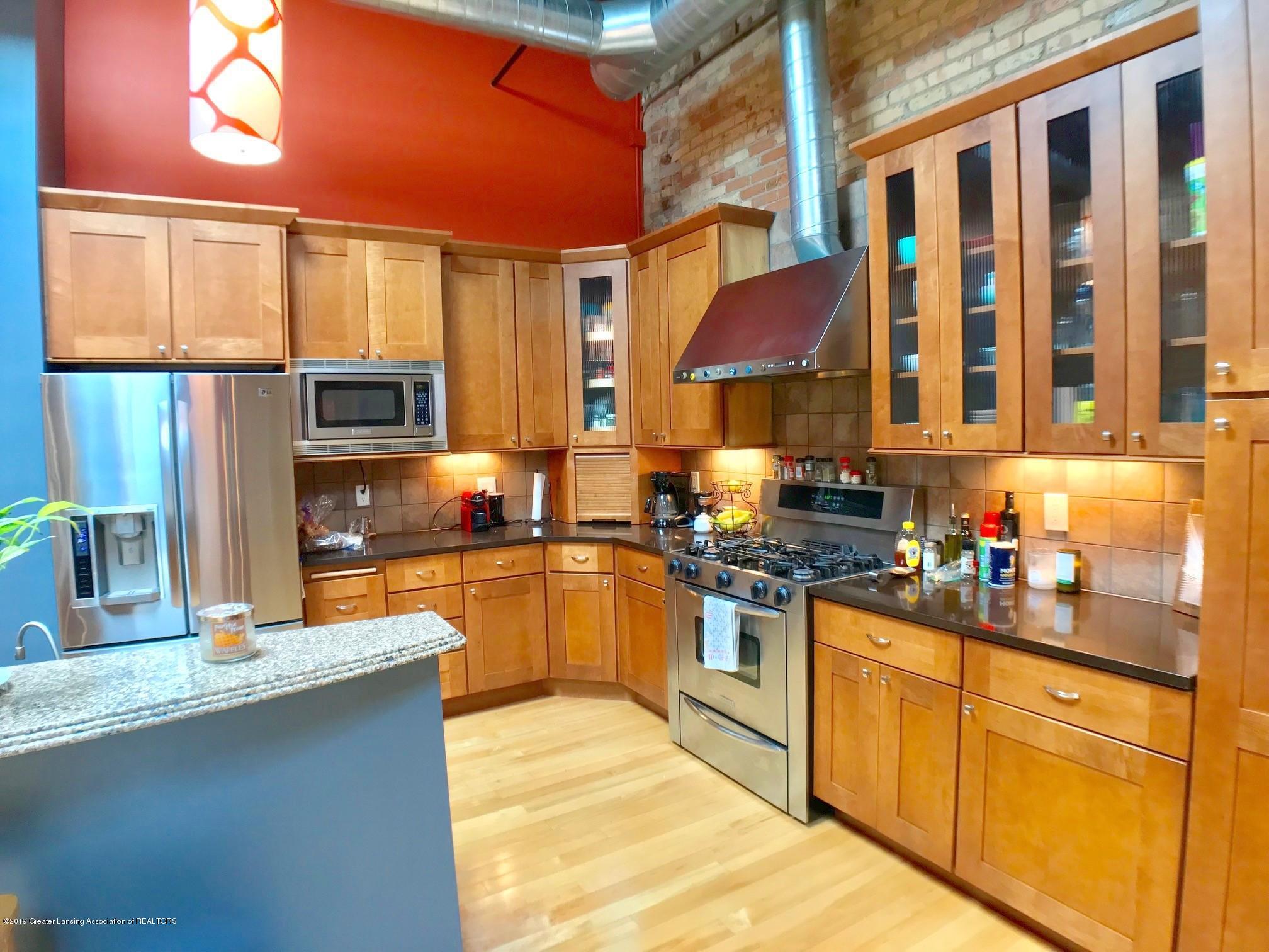 214 S Washington Square 4 - Kitchen - 6