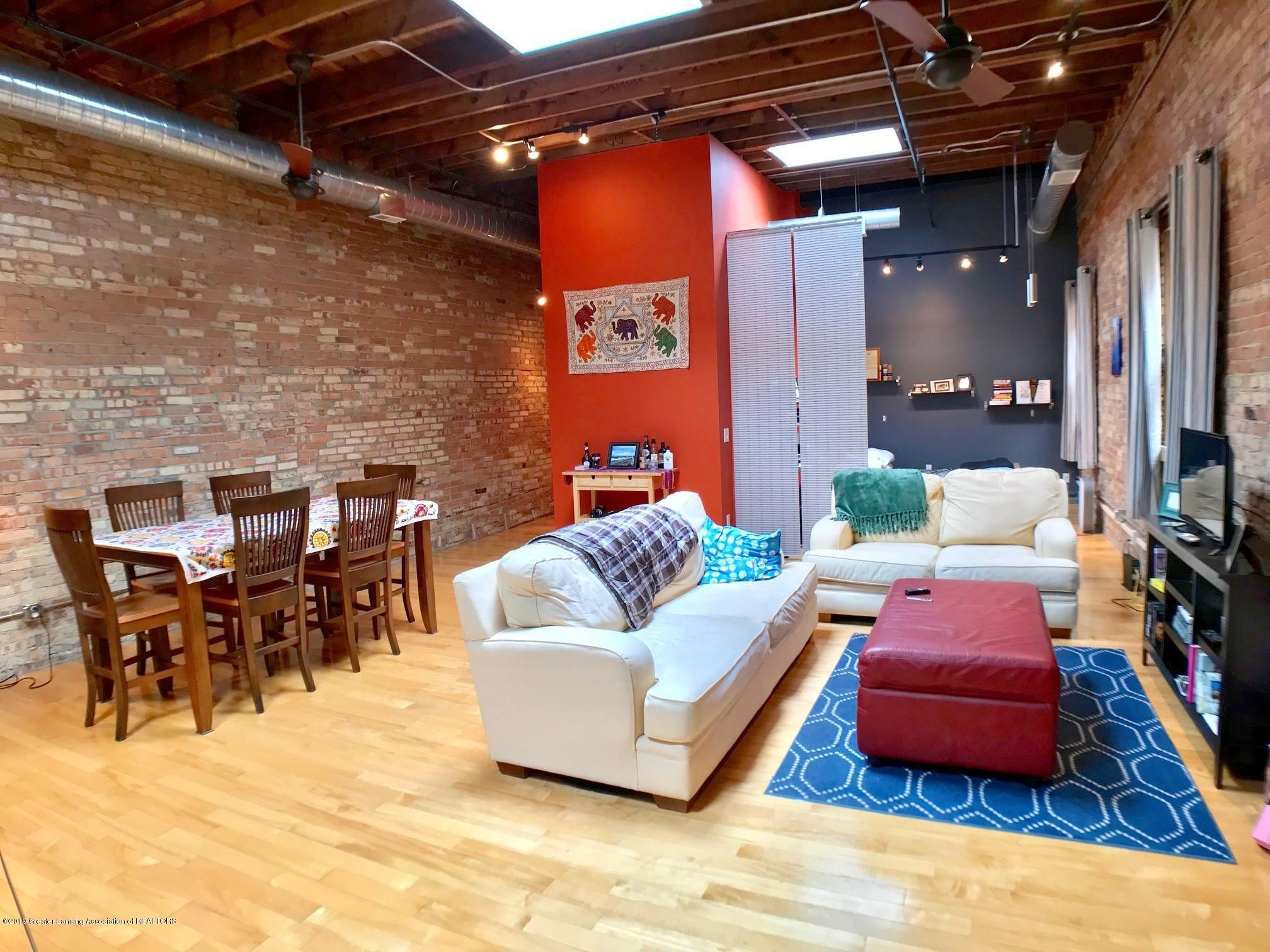 214 S Washington Square 4 - Living Area - 8