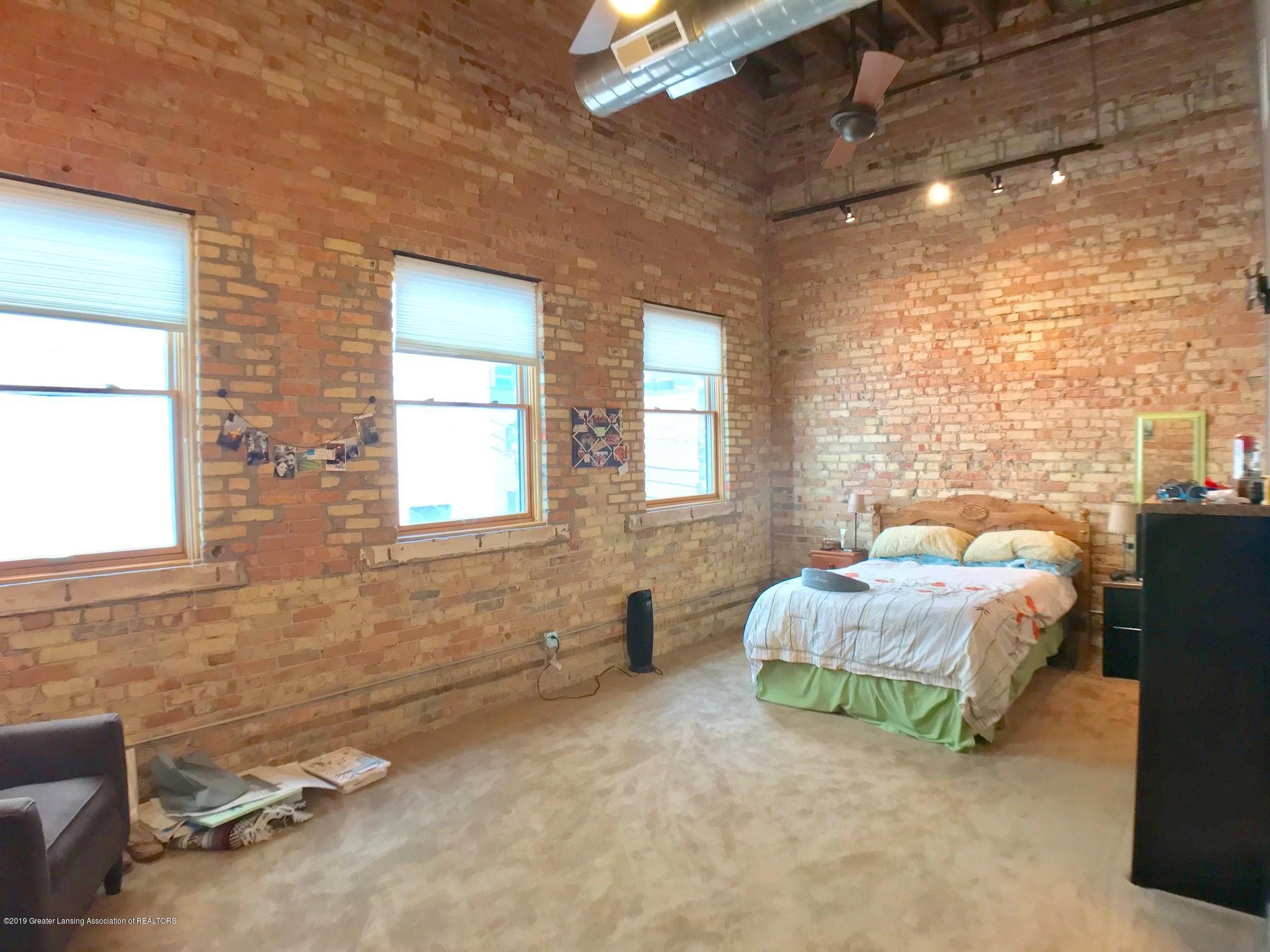 214 S Washington Square 4 - Master Bedroom - 17