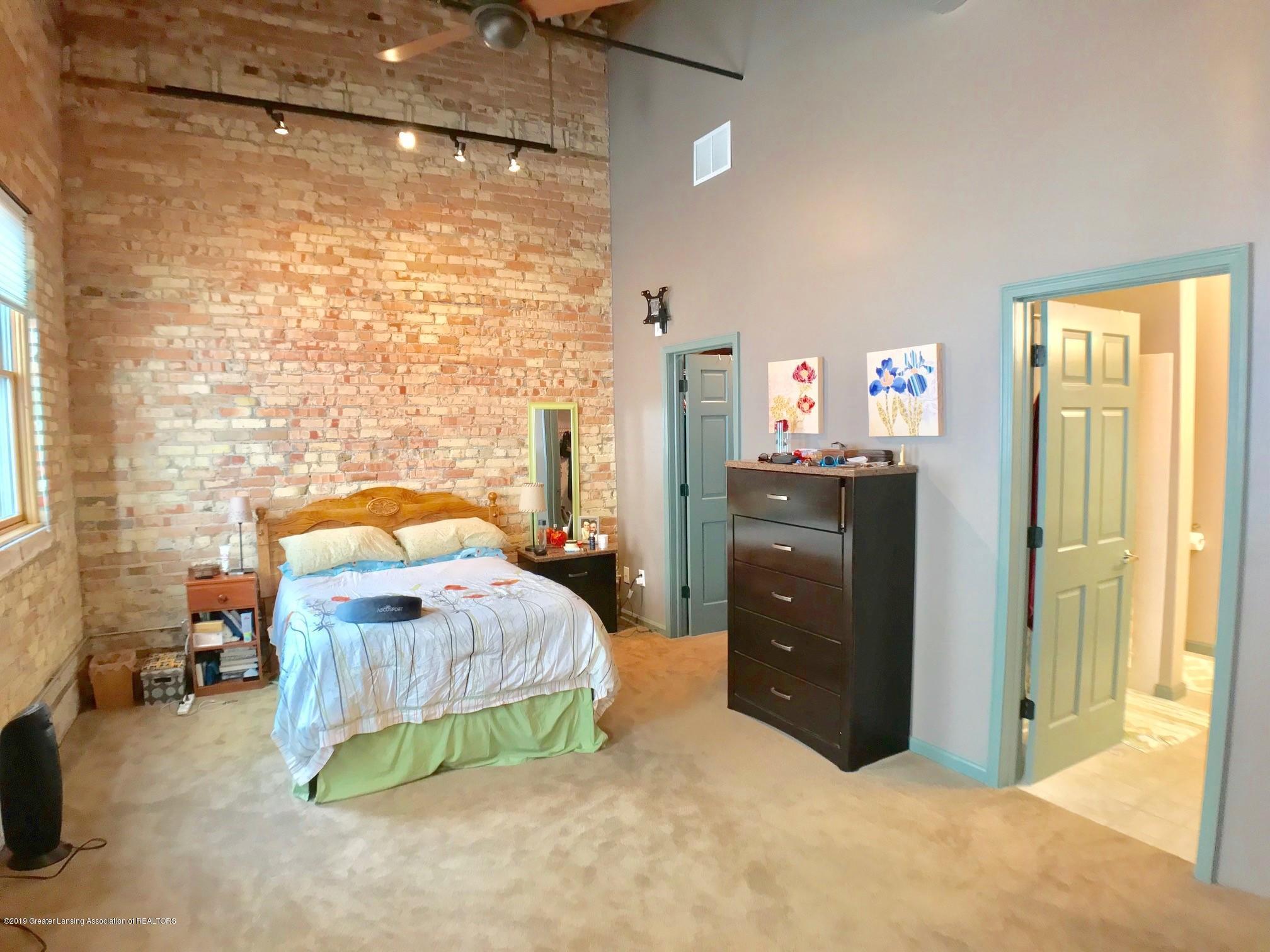 214 S Washington Square 4 - Master Bedroom - 18