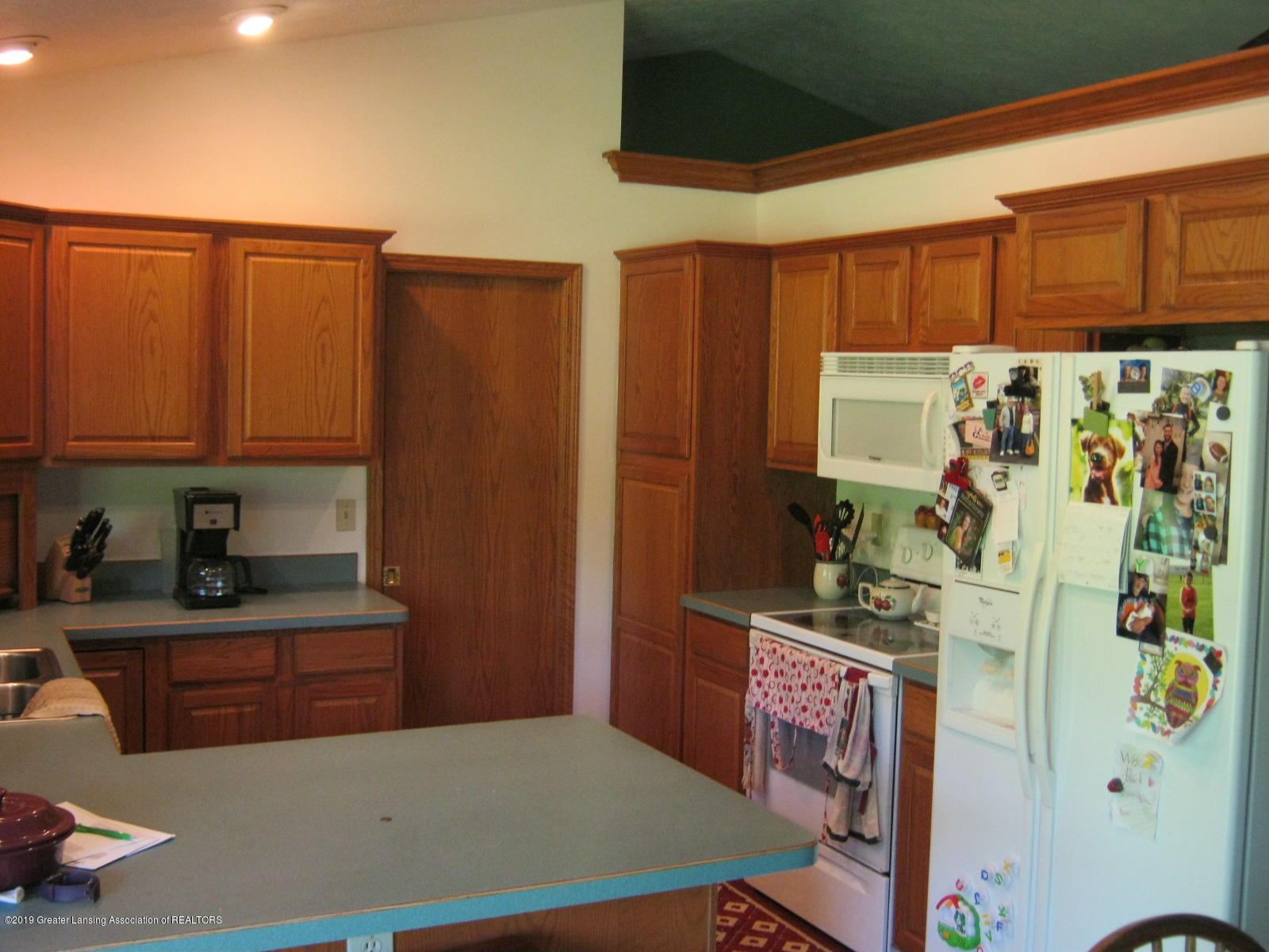 2749 S Bradley Rd - 7 Kitchen - 6