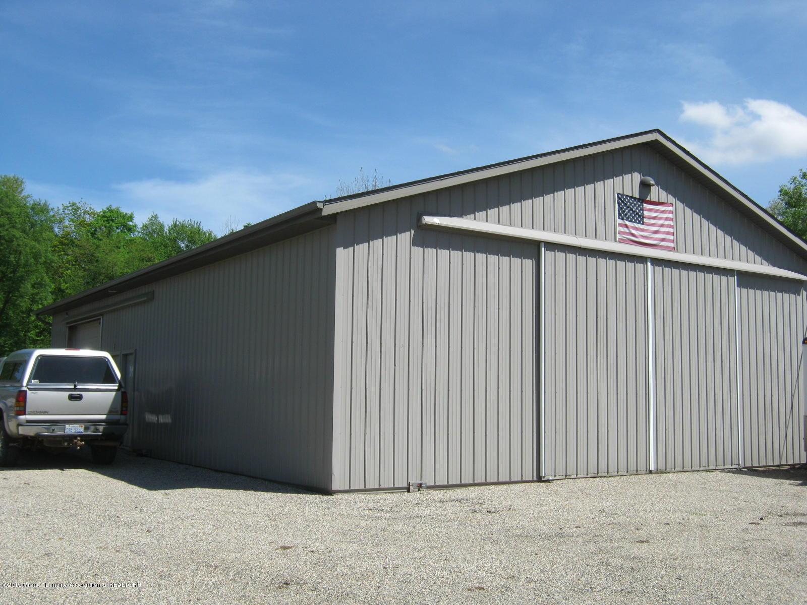 2749 S Bradley Rd - 10 Pole Barn - 10