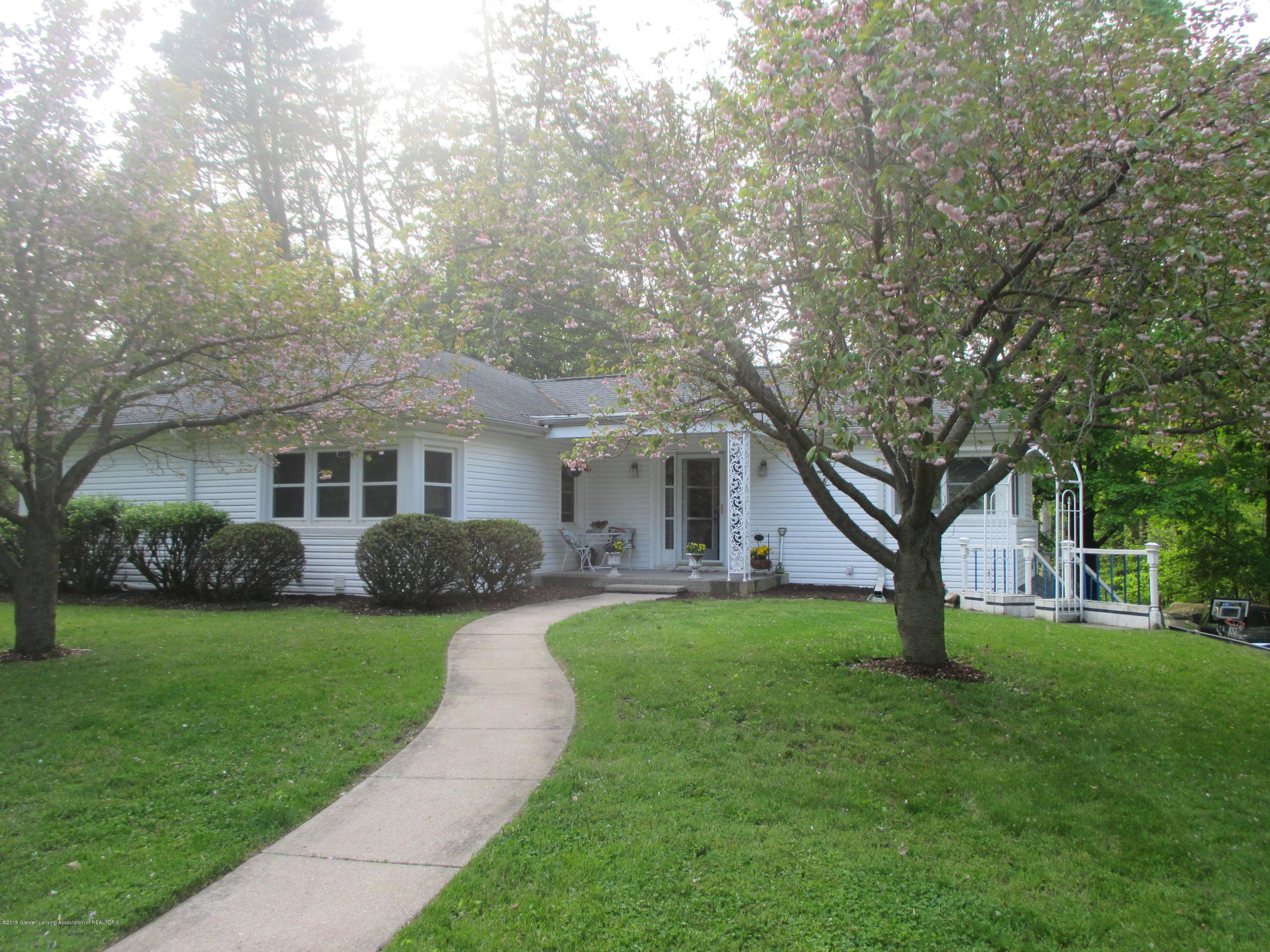 4685 Woodcraft Rd - Front - 1