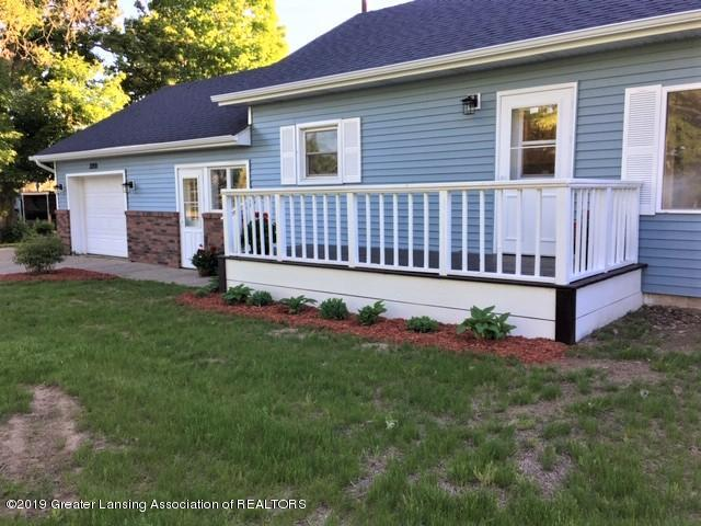3200 S Dewitt Rd - front landscaping - 4