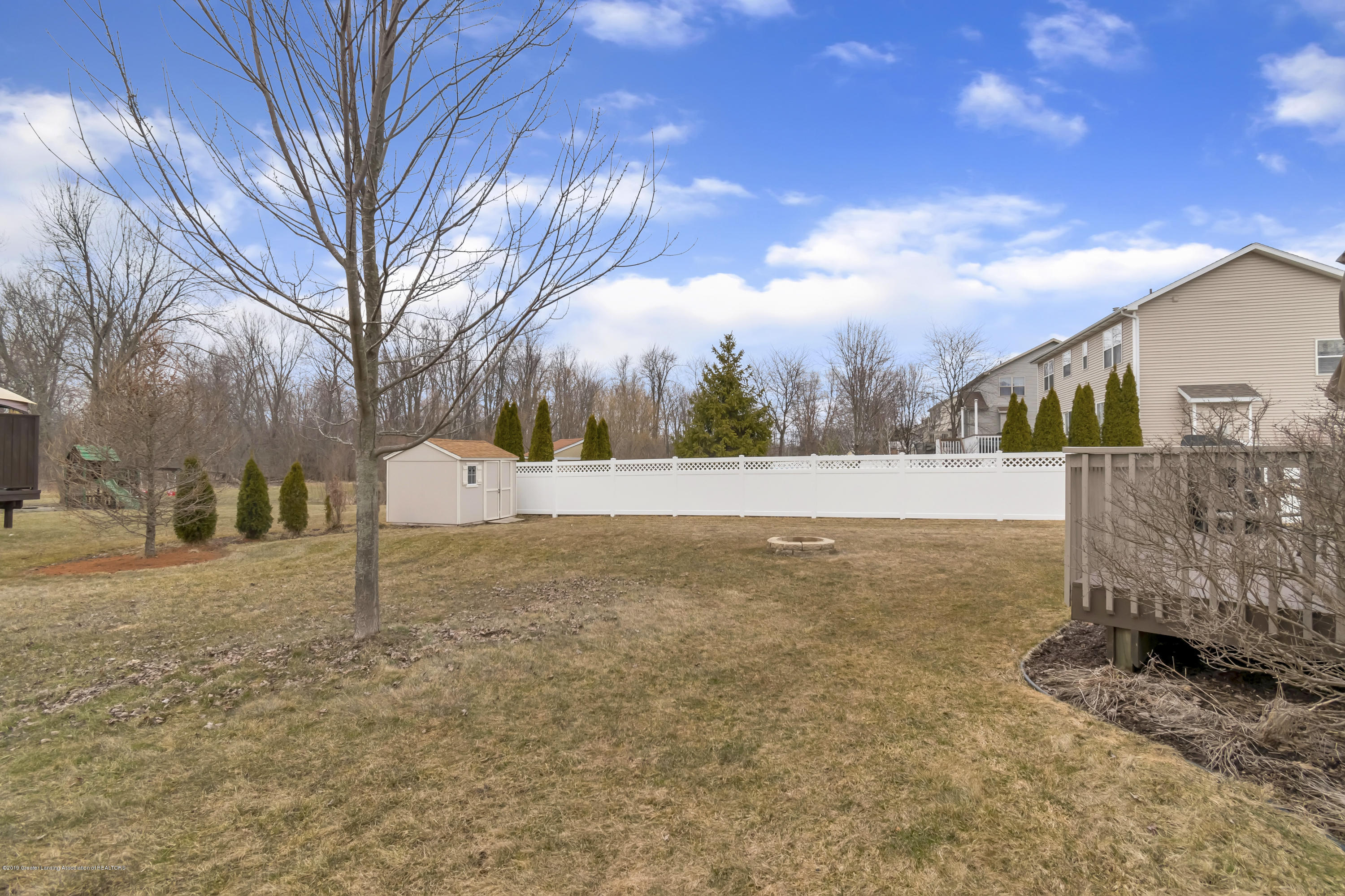 11553 Gold Fields Dr - 11553-Gold-Fields-Dr-Grand-Ledge-MI-wind - 37