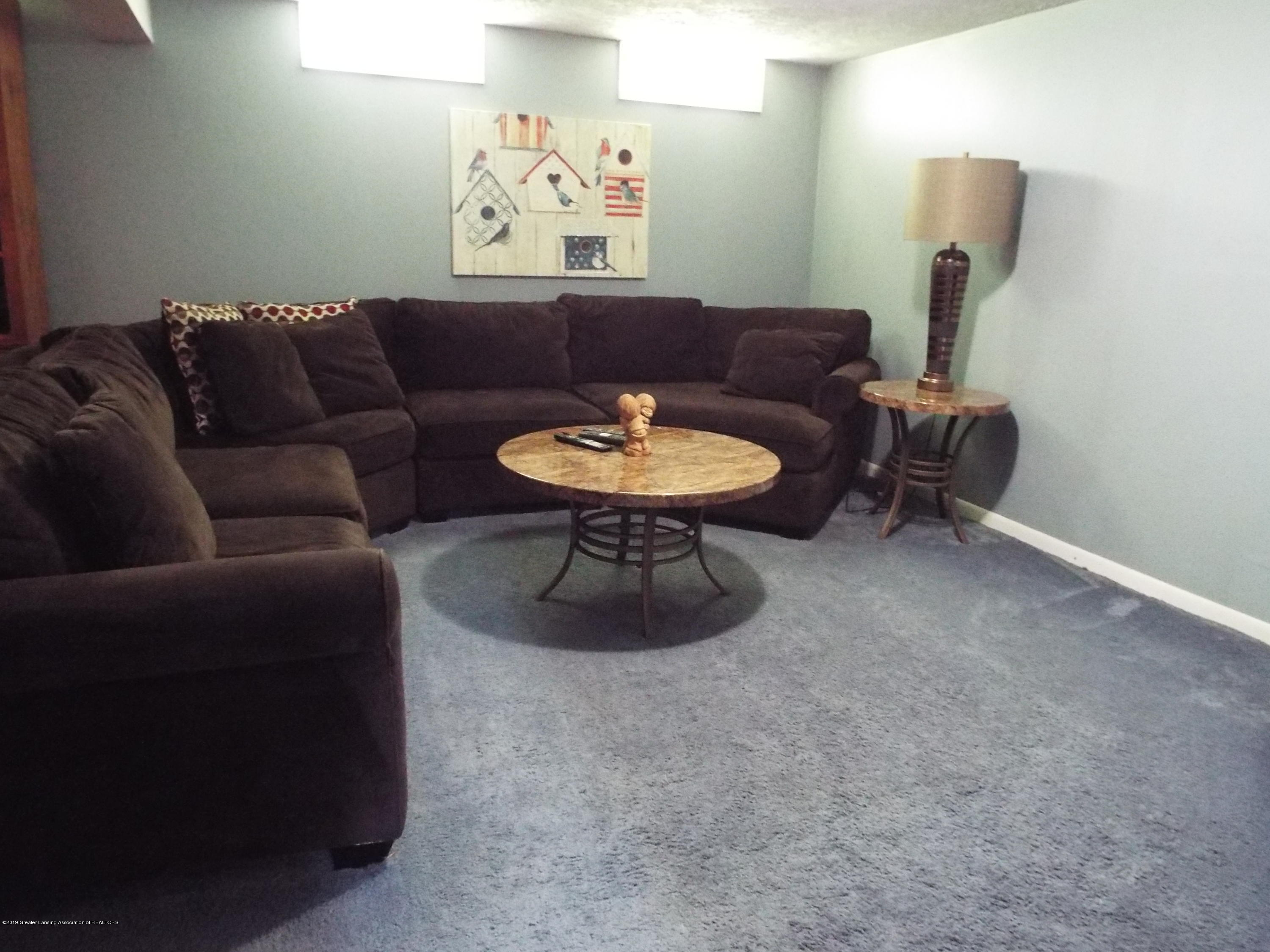 3700 Wedgewood Dr - Family Room - 12