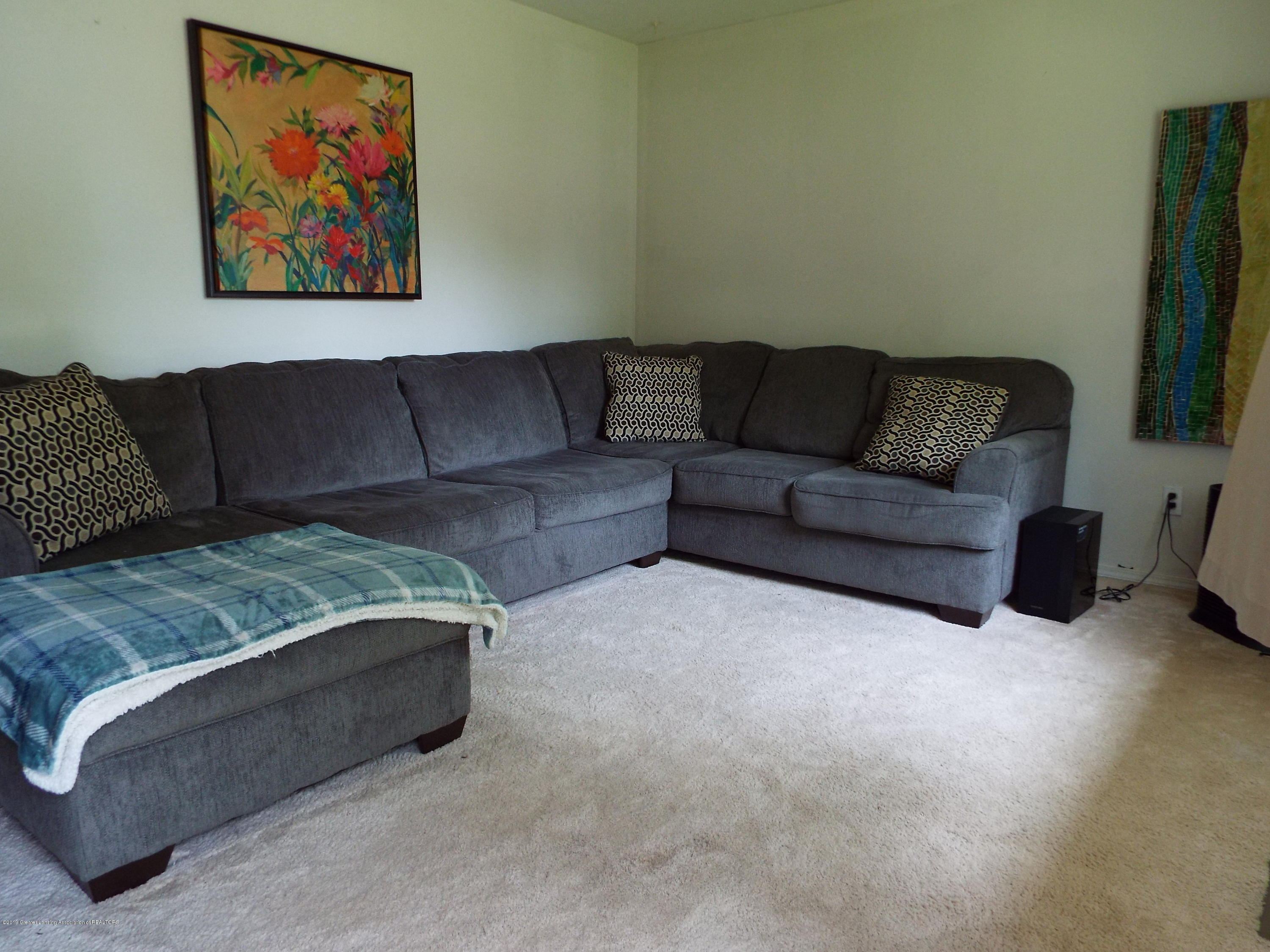 3700 Wedgewood Dr - Living Room - 2
