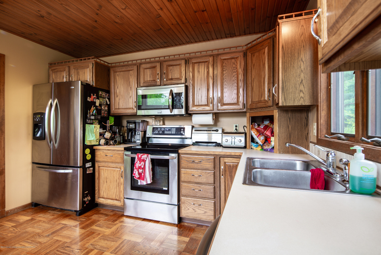 6371 Round Lake Rd - Kitchen - 14