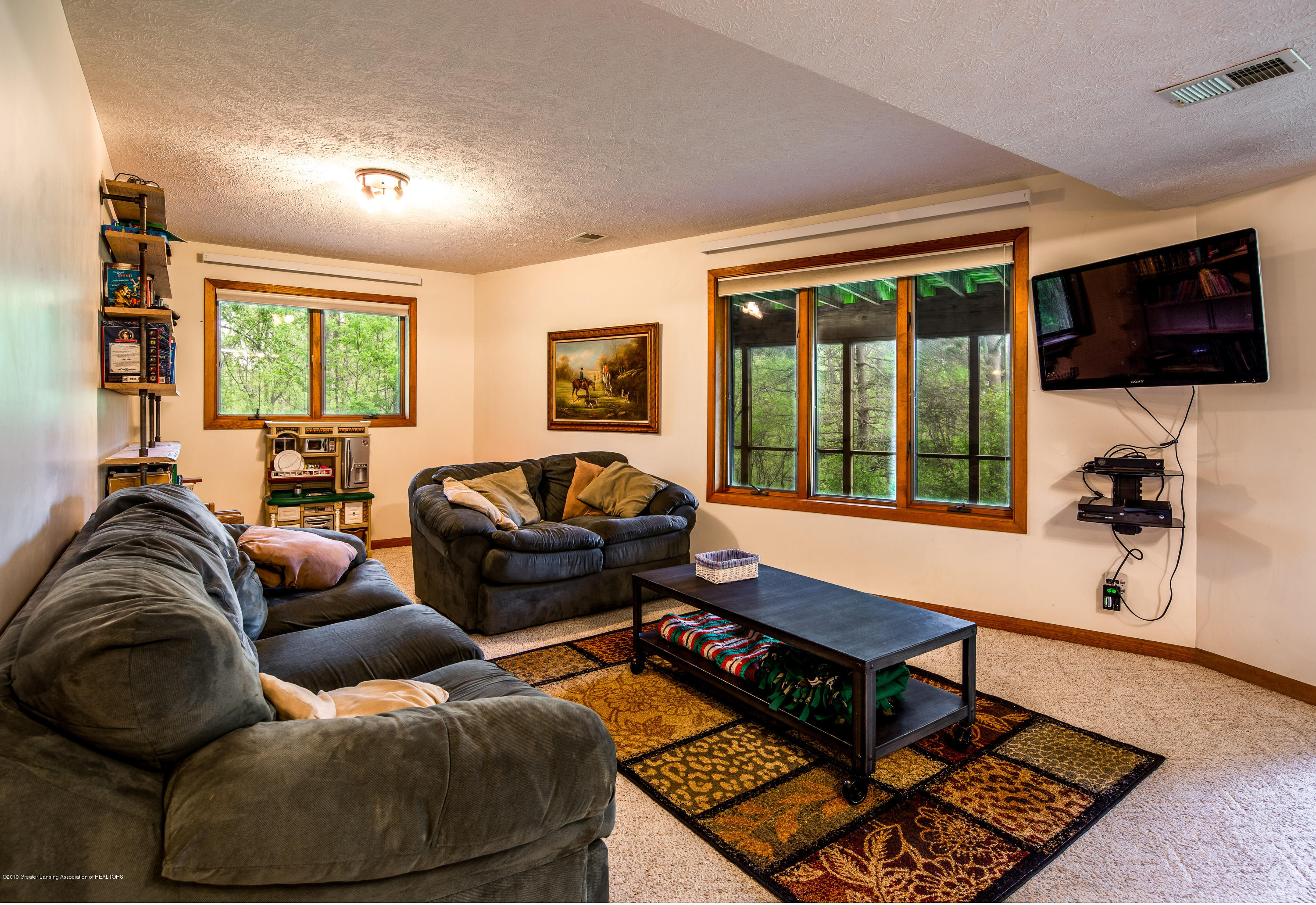 6371 Round Lake Rd - Family Room - 26