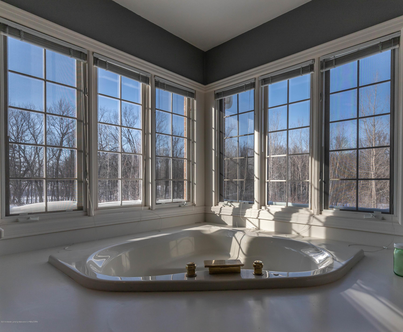 1325 N Waverly Rd - Bathroom - 36