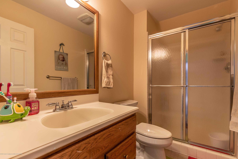 1325 N Waverly Rd - Bathroom - 49
