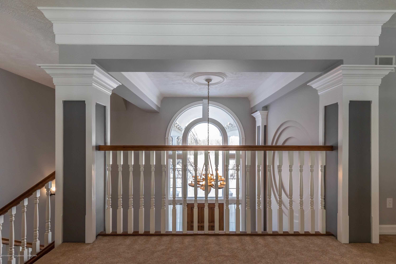 1325 N Waverly Rd - Hallway - 44