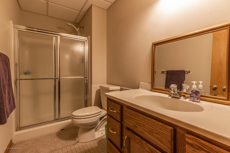 1325 N Waverly Rd - Bathroom - 66