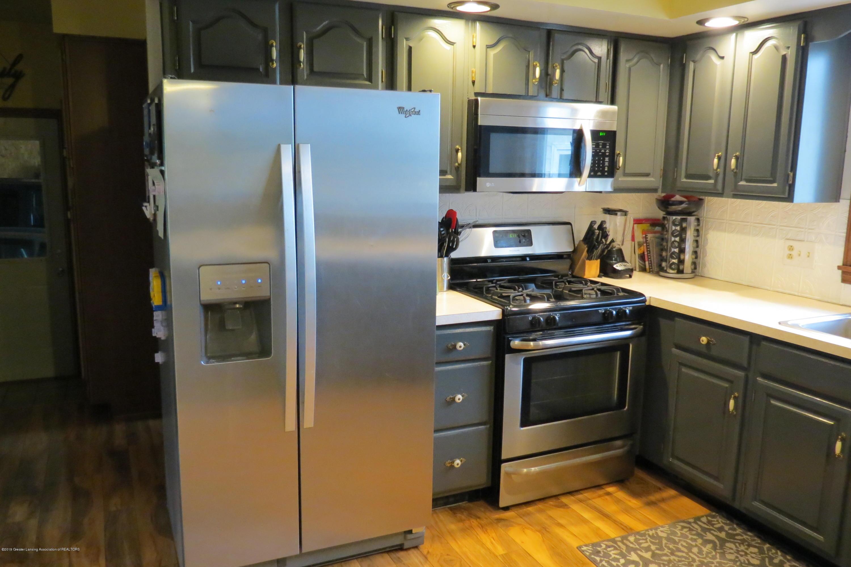 8657 E Maple Rapids Rd - Kitchen - 4