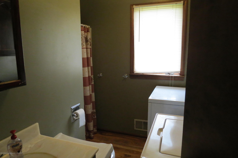 8657 E Maple Rapids Rd - Master Bath - 15