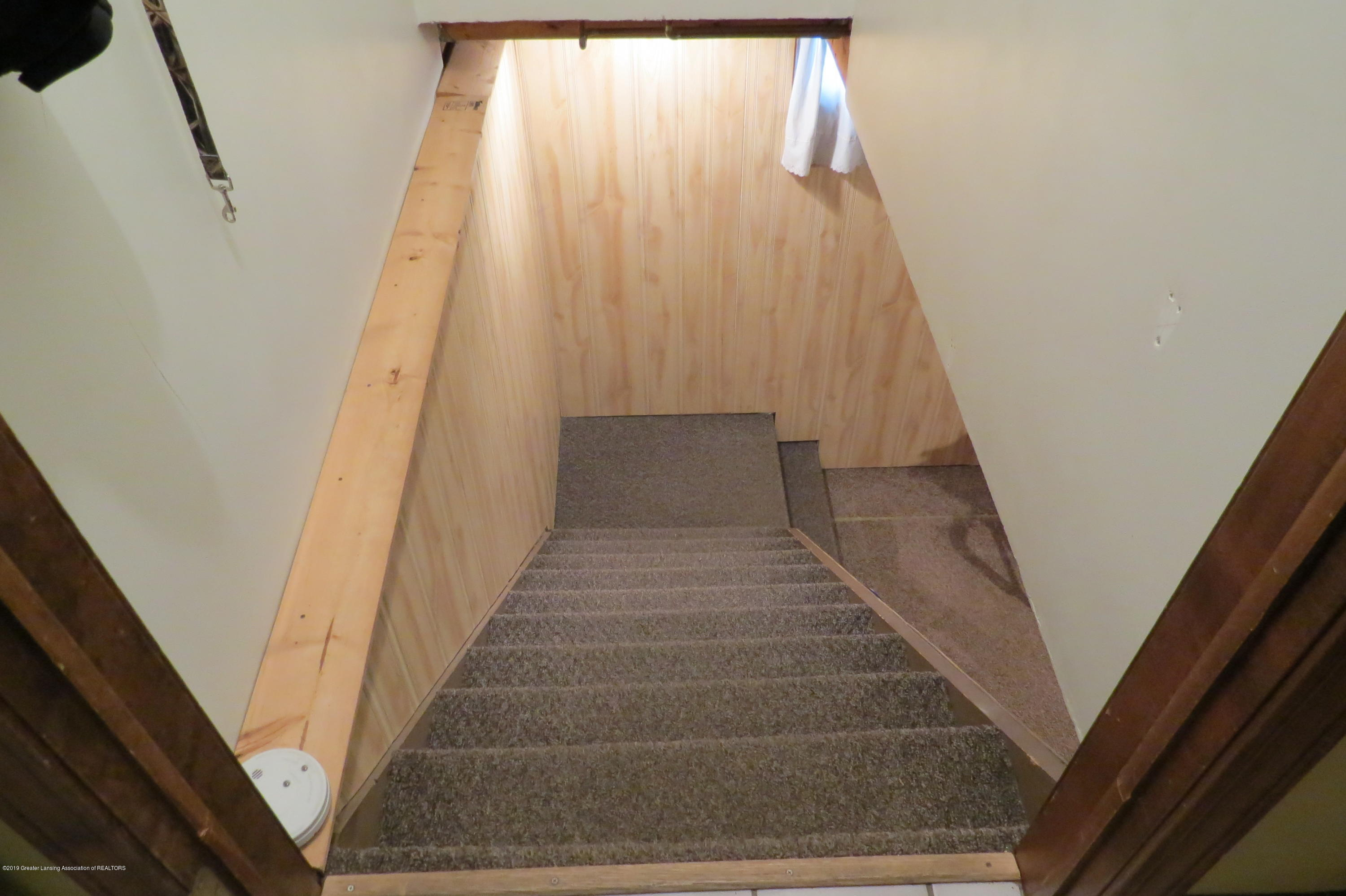 8657 E Maple Rapids Rd - Stairs - 25