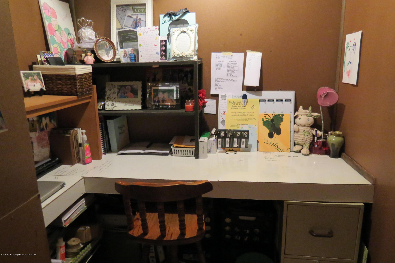 8657 E Maple Rapids Rd - Desk - 24