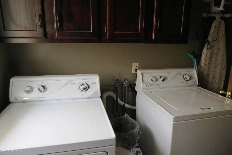 8657 E Maple Rapids Rd - Laundry Room - 23