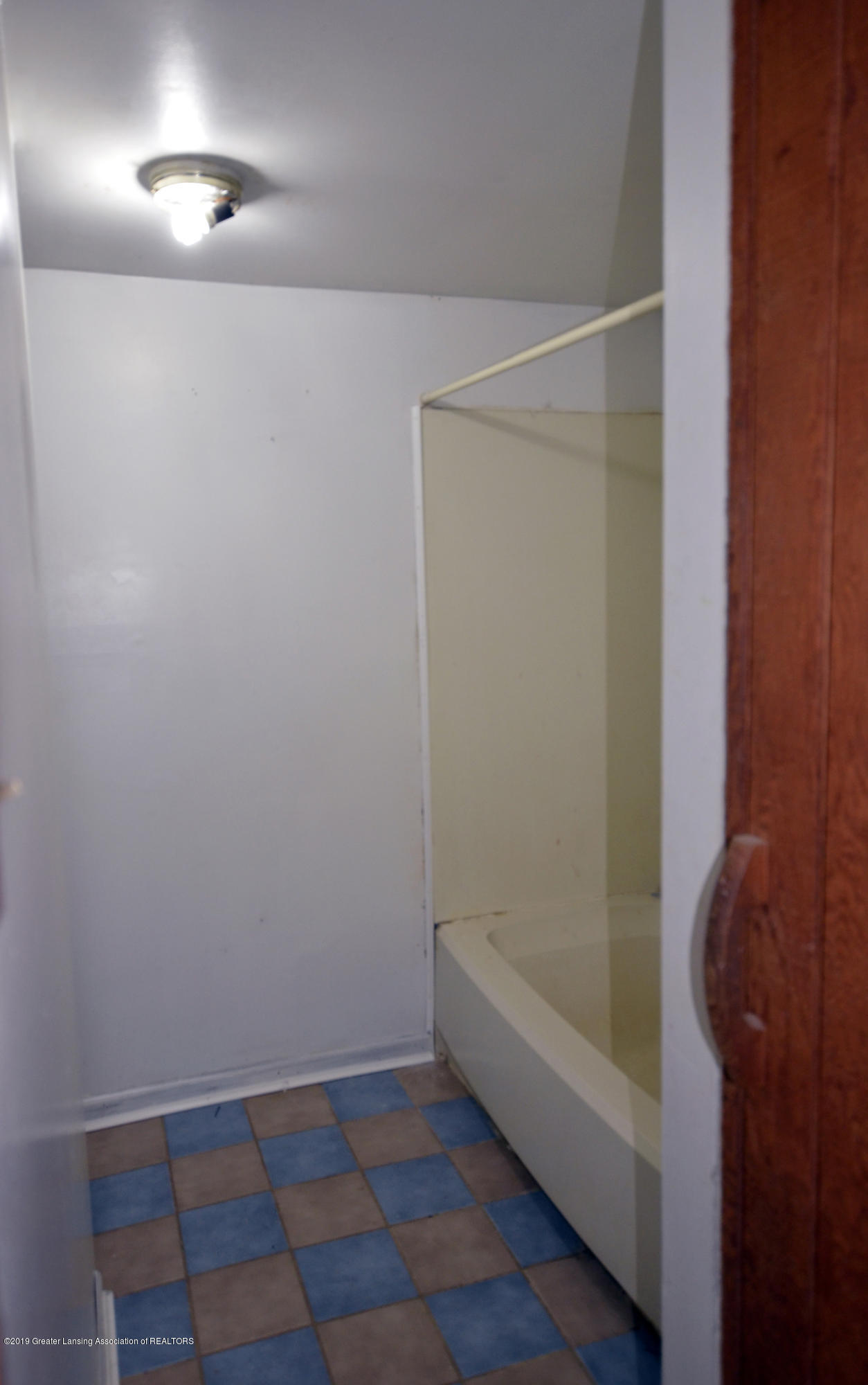 15871 Short St - 15871 Short St bathroom - 2