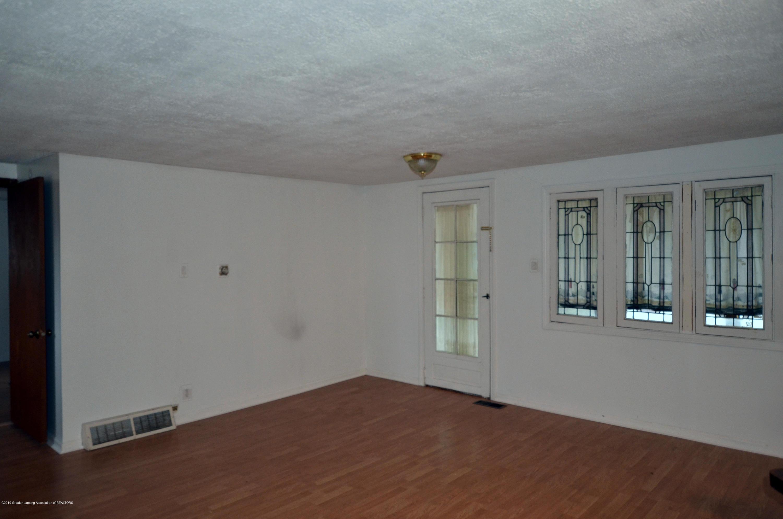 15871 Short St - 15871 Short St living room - 12