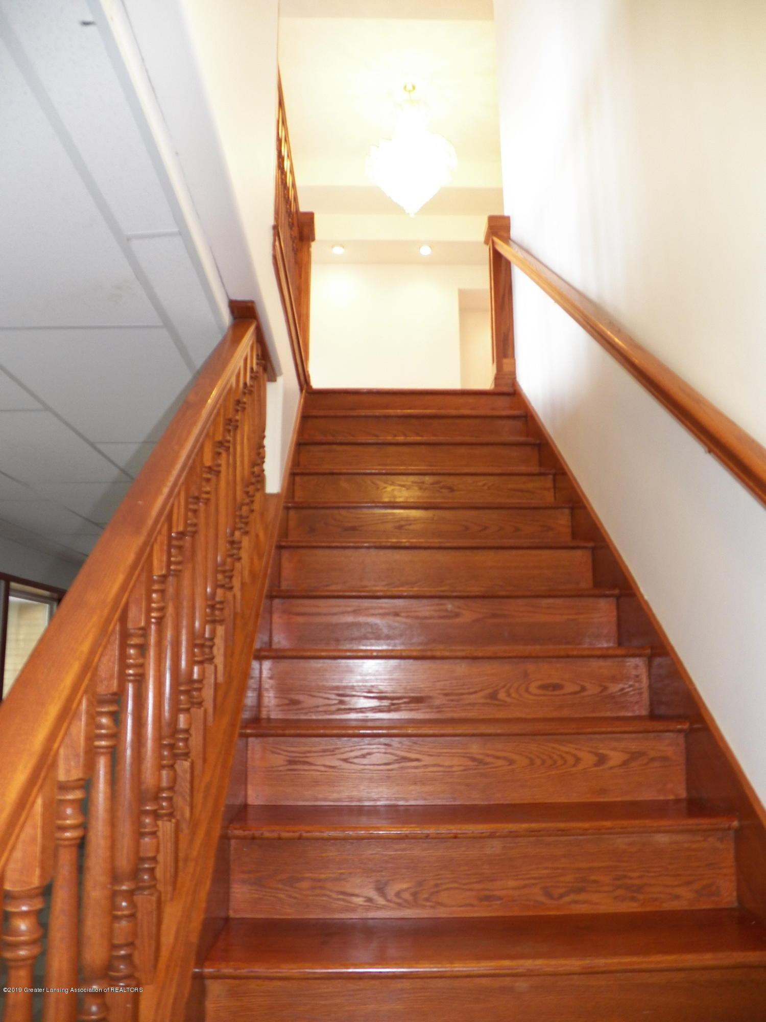 8226 Amaryllis Way - wood staircase - 26