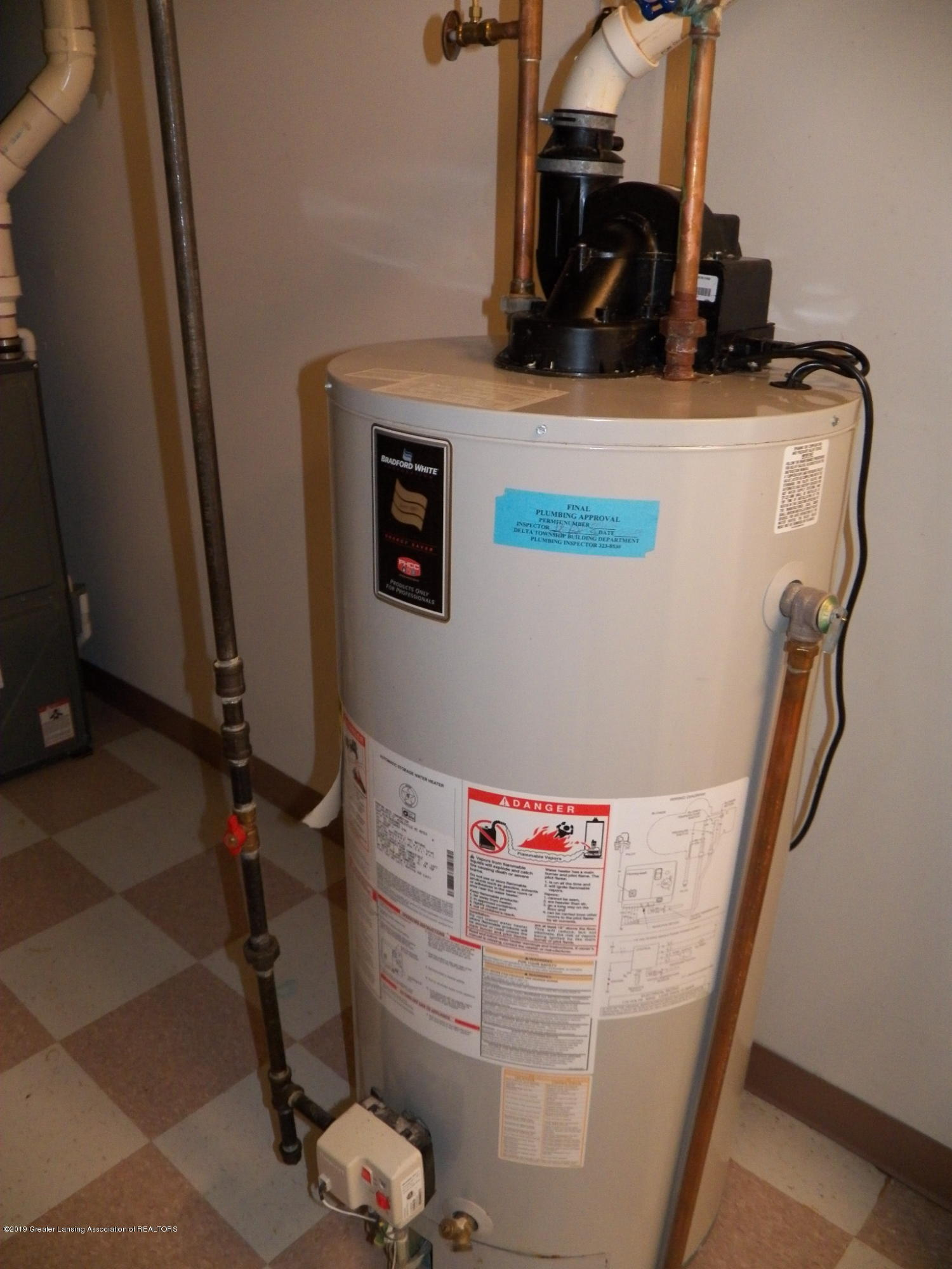 8226 Amaryllis Way - hot water heater - 29