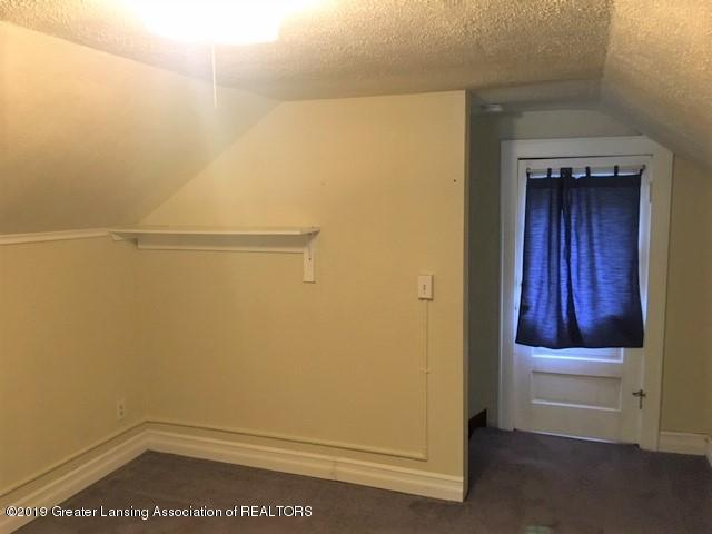 619 N Foster Ave - Other room 1 - 17