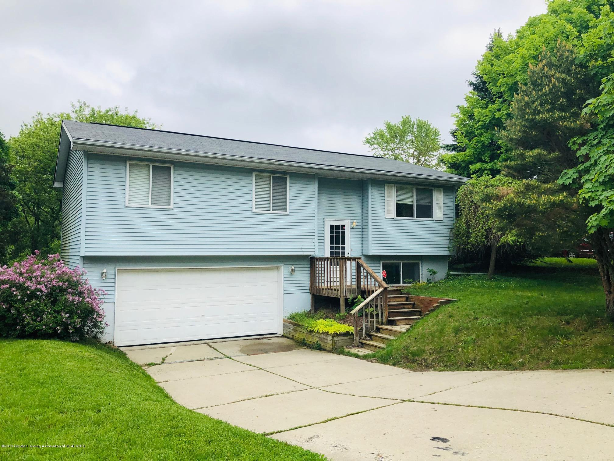 3631 Stoneleigh Dr - Front - 1