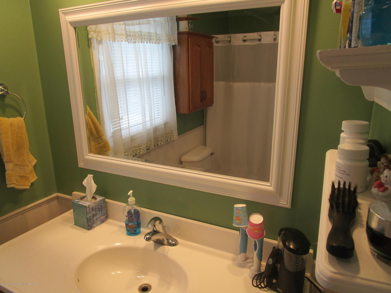 217 Elmshaven Dr - Bathroom - 2