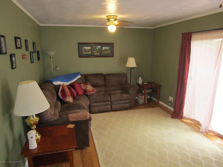 217 Elmshaven Dr - Family Room - 9