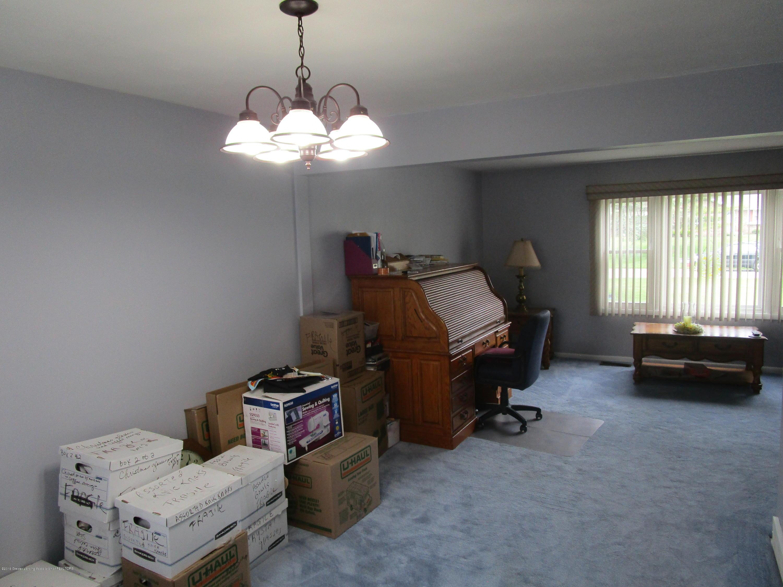 217 Elmshaven Dr - Living Room - 13