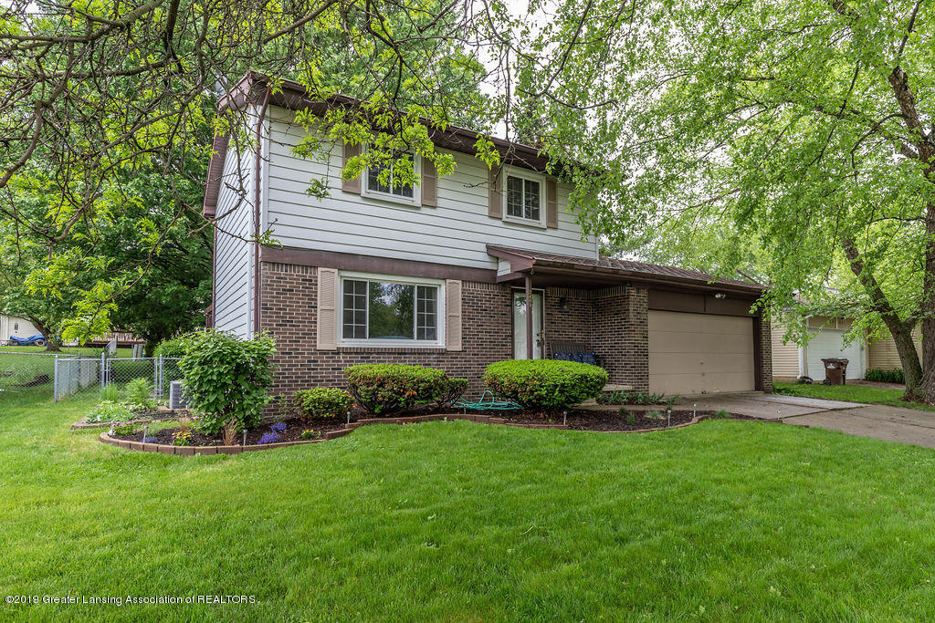 2401 Beacon Hill Dr - Front - 1