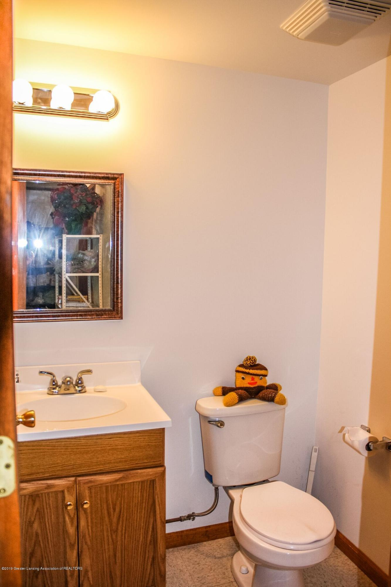 7208 Creekside Dr - Bathroom - 15