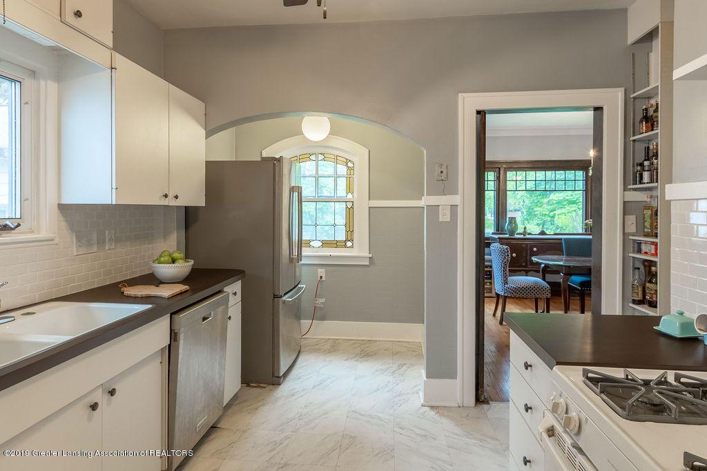 935 Huntington Rd - kitchen - 18