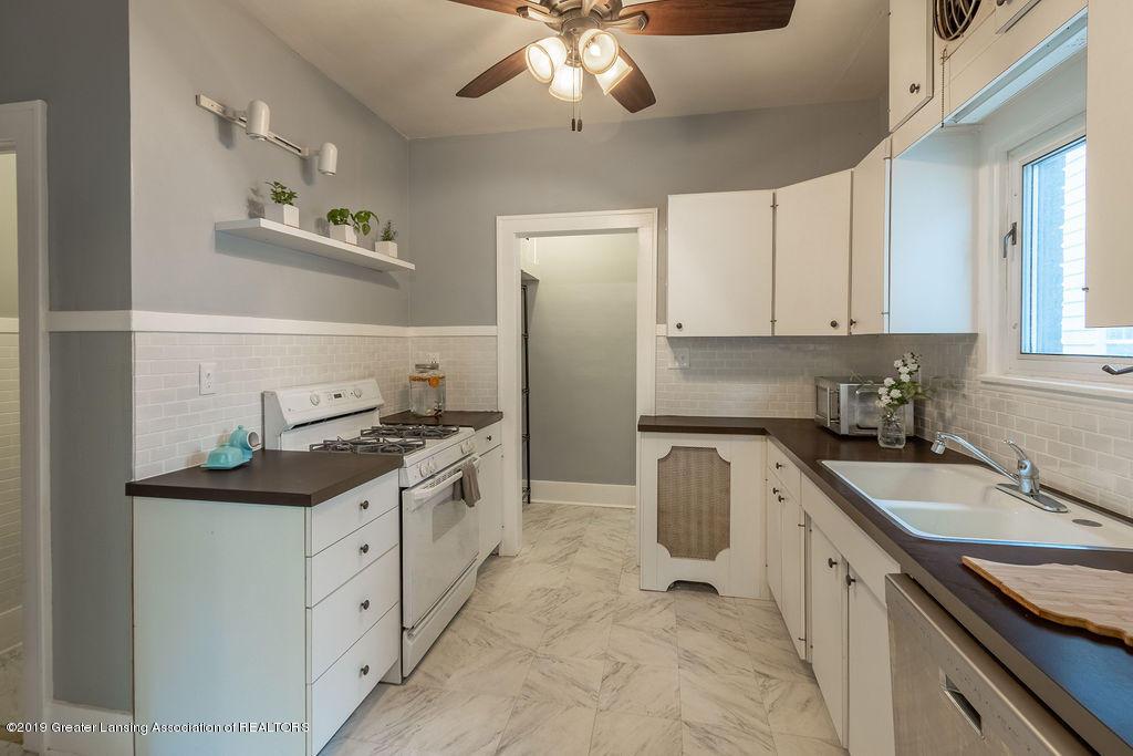 935 Huntington Rd - kitchen - 17