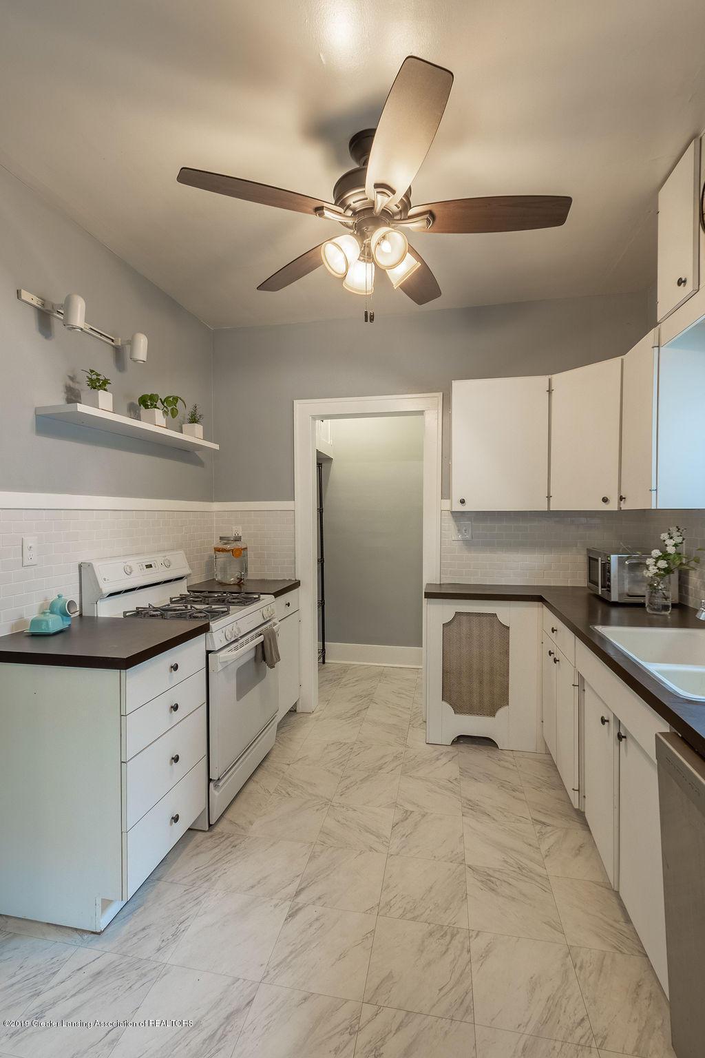 935 Huntington Rd - kitchen - 20