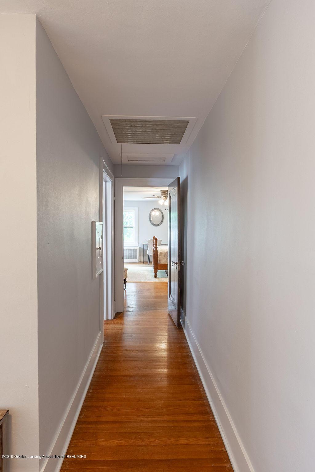 935 Huntington Rd - upstairs interior space - 43