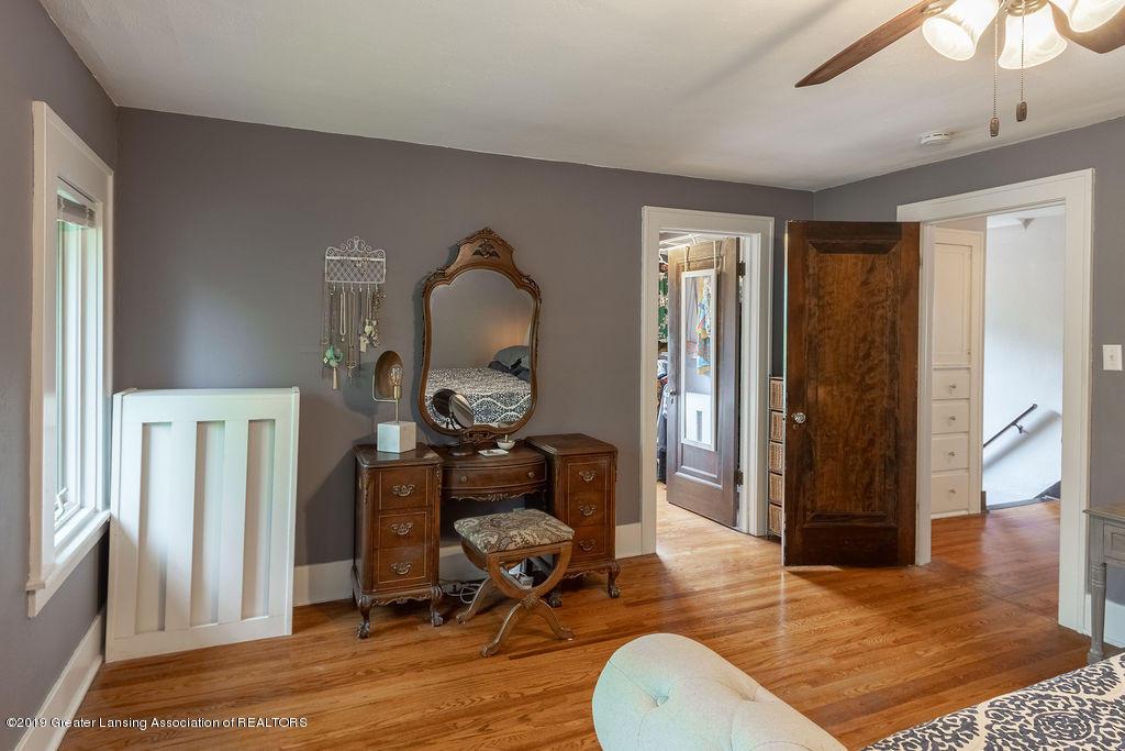 935 Huntington Rd - master bedroom - 36