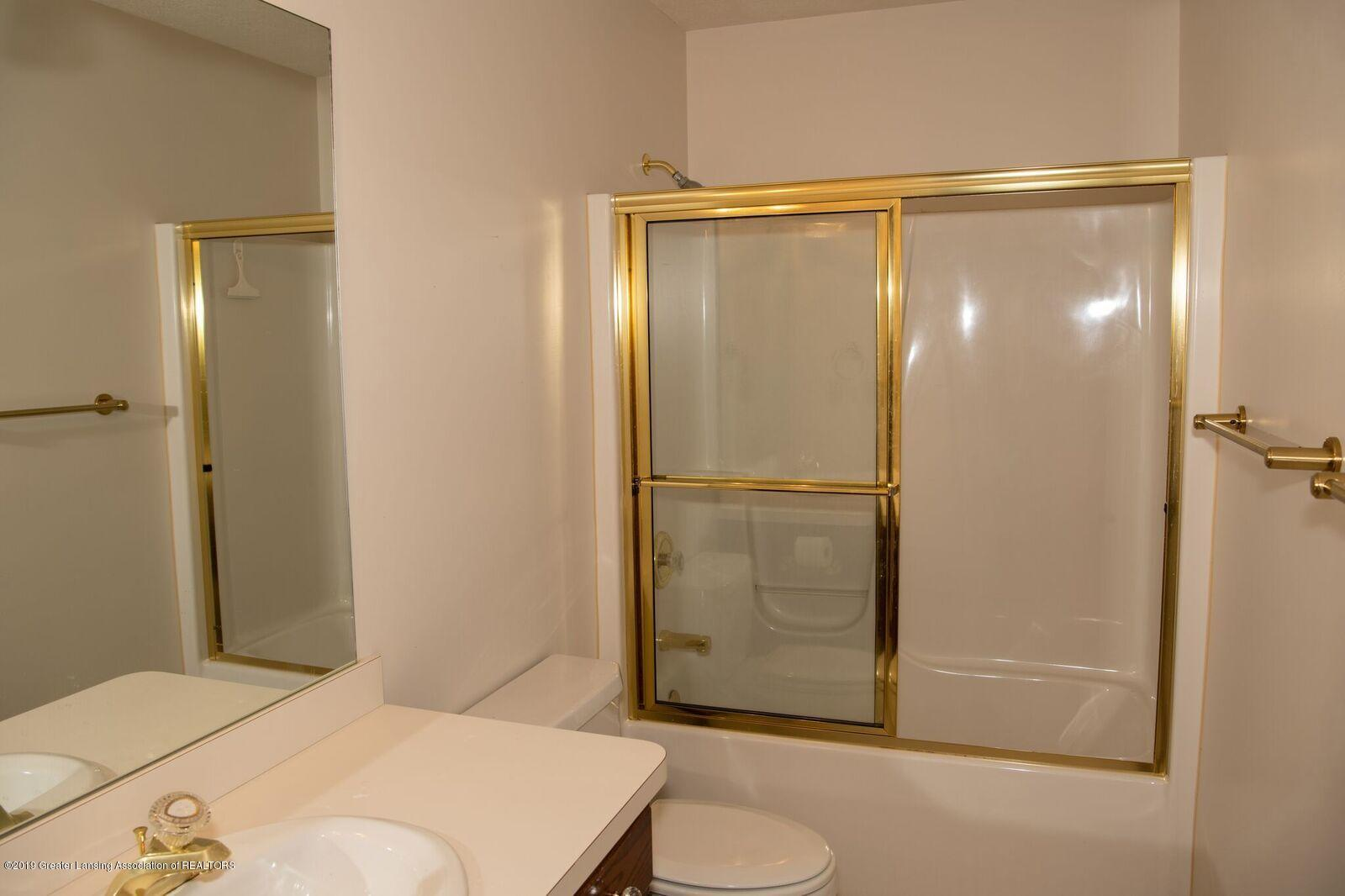 320 Cologne 41 - Cologne Bath Room - 18