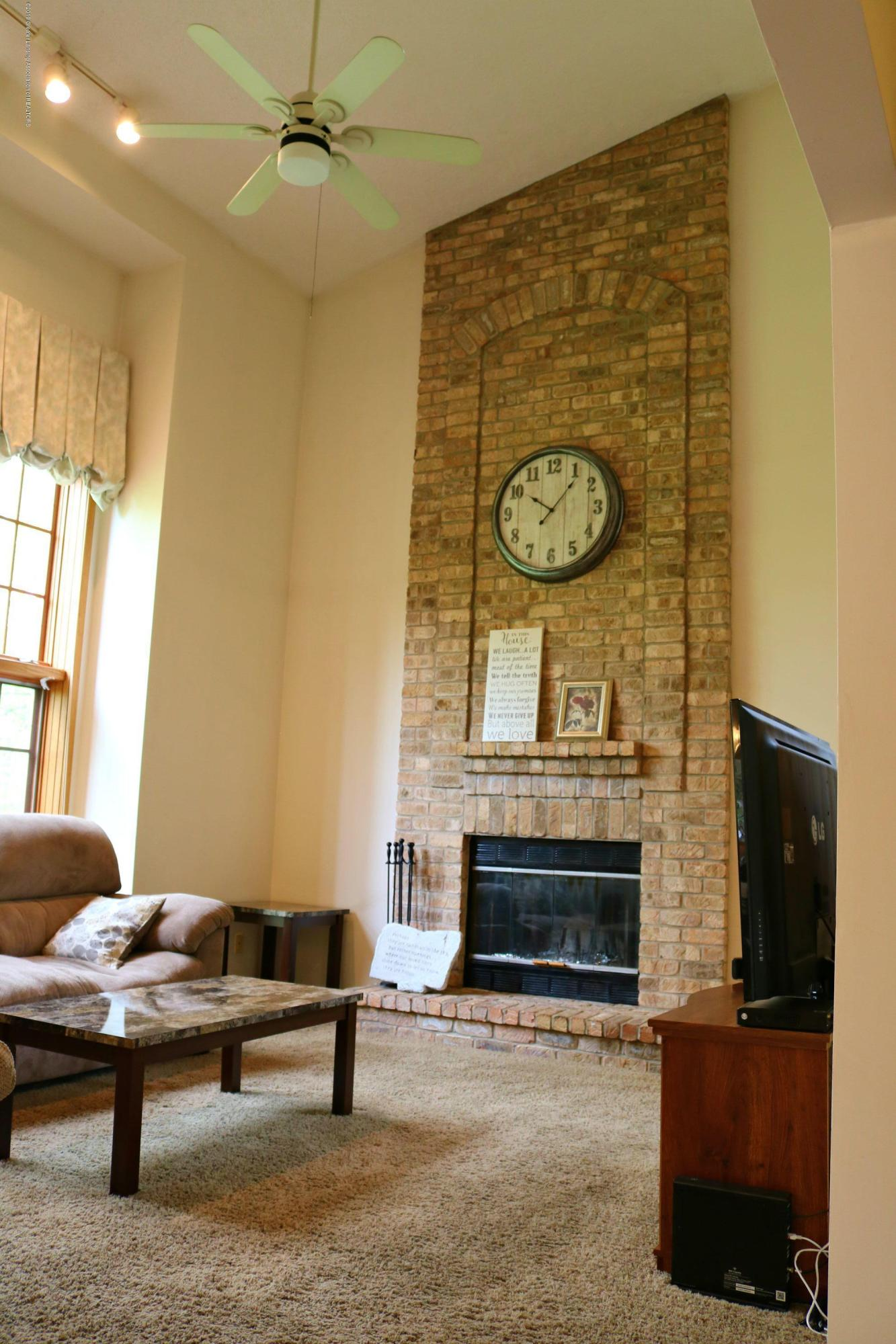 13384 Blackwood Dr - Living Room - 2